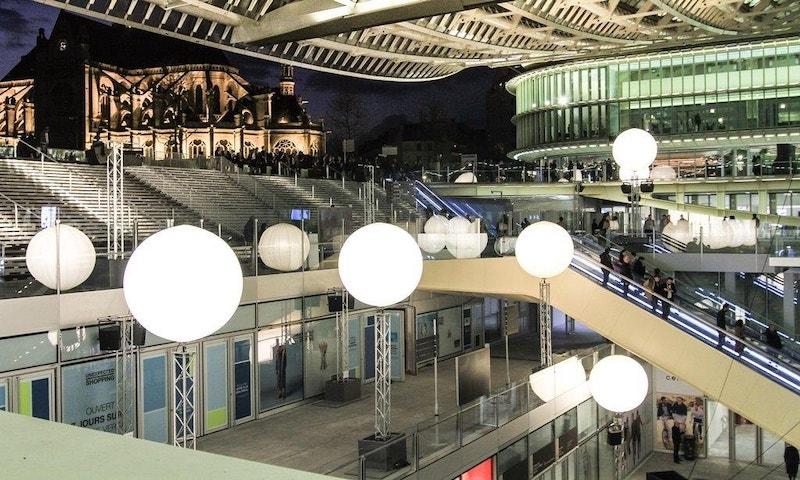 Lojas no shopping Forum des Halles em Paris