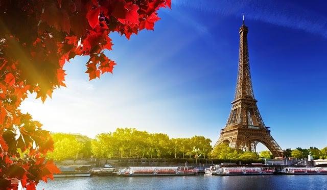 Vista da Torre Eiffel e Rio Sena