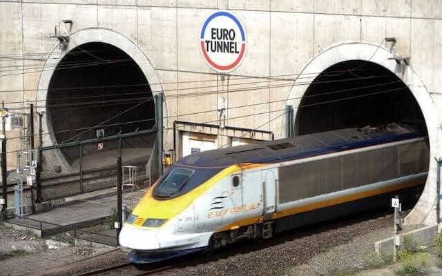 Viagem de trem de Paris a Londres