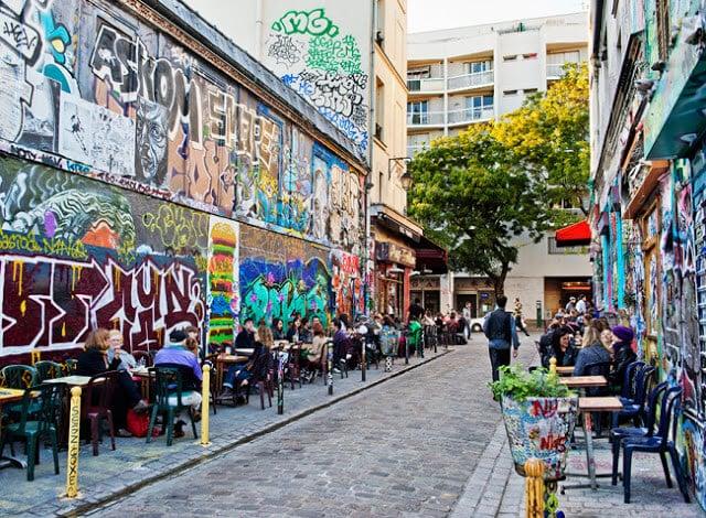 Rue Dénoyez no bairro Belleville em Paris