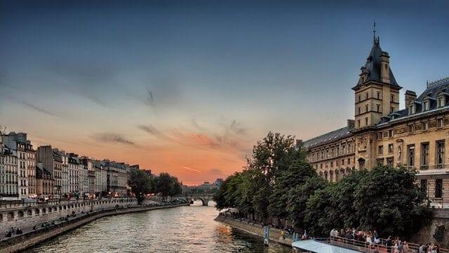 Paris em julho