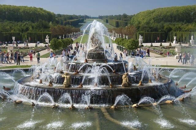 Show de fontes nos Jardins de Versalhes