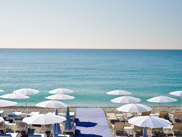 Mar na praia Blue Beach em Nice
