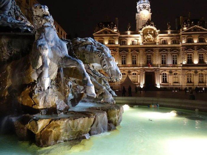 Fonte da Praça Place des Terreaux em Lyon