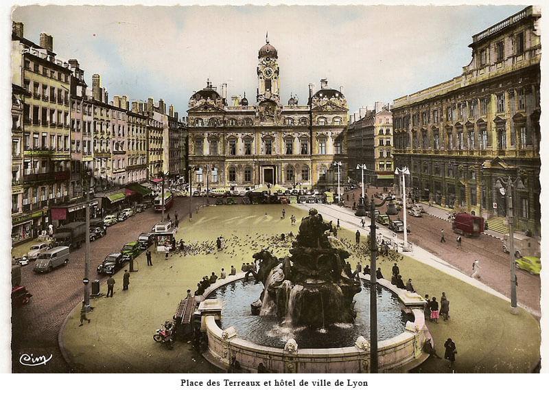 Pintura histórica da Praça Place des Terreaux em Lyon