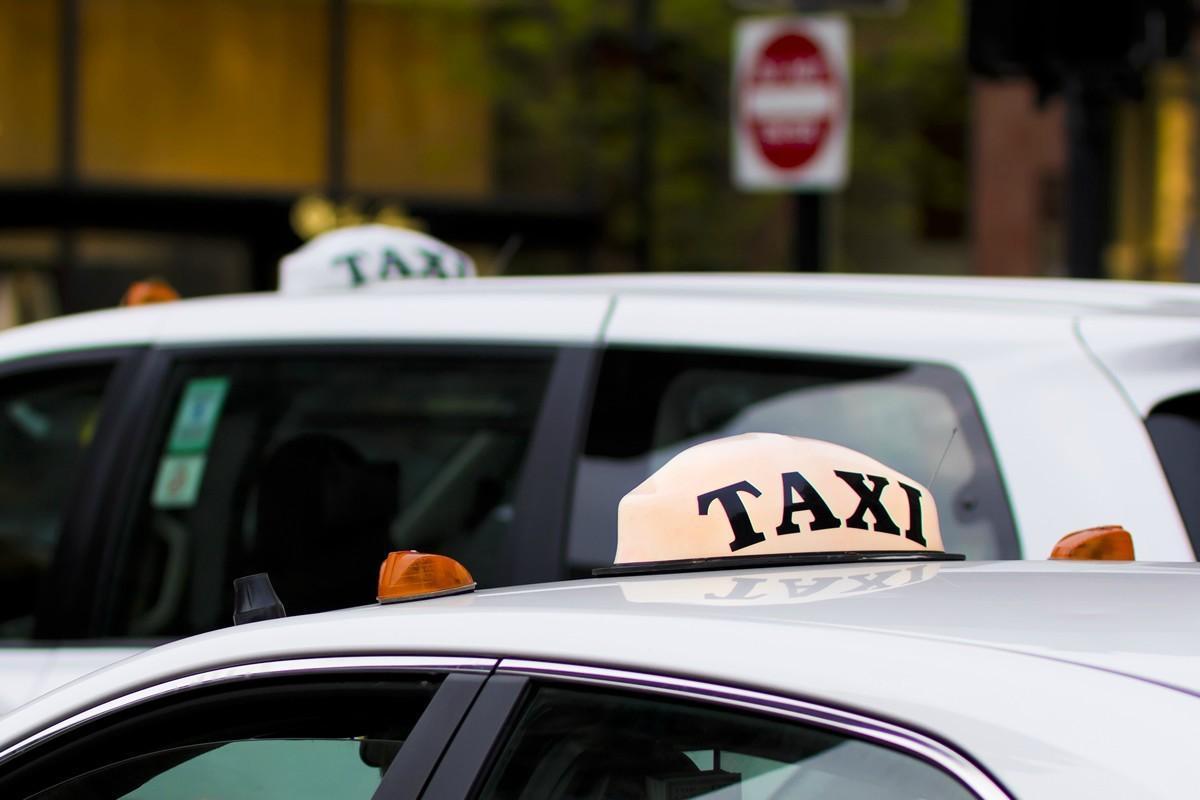 Taxi em Biarritz