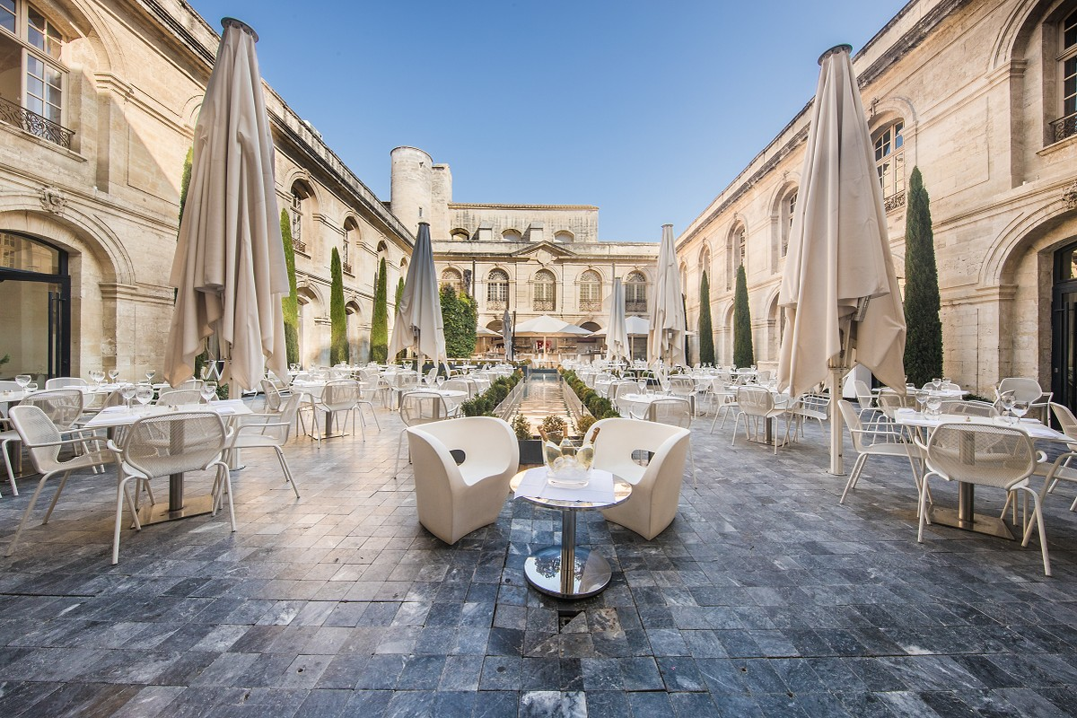 Restaurante 83.Vernet em Avignon
