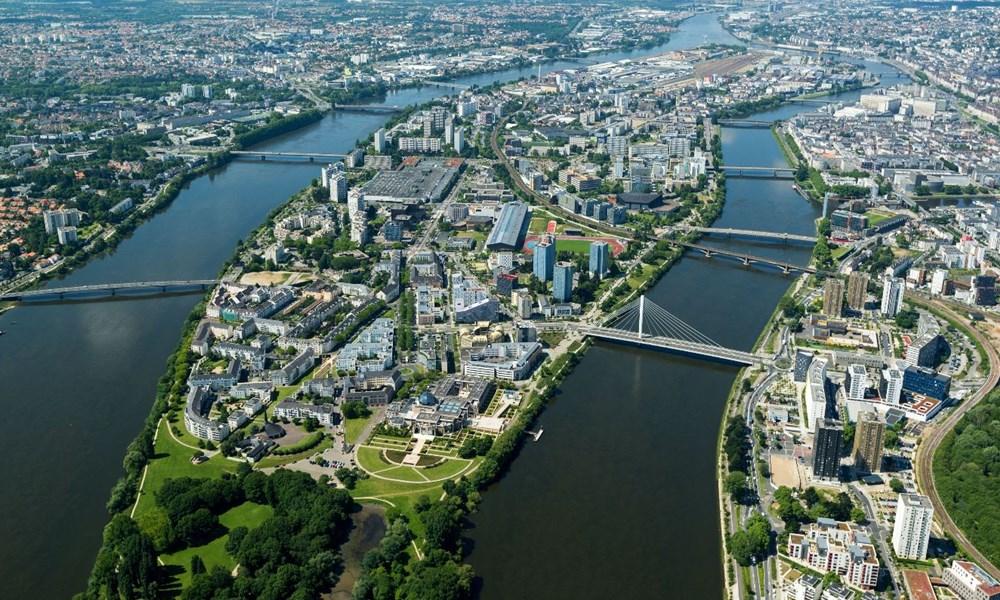 Vista aérea de Nantes de dia
