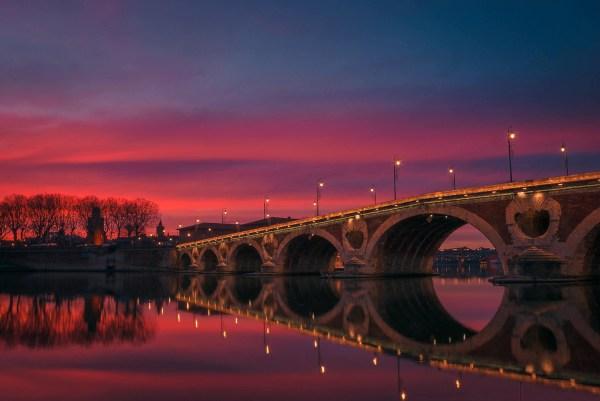 Fim de tarde na Pont Neuf em Toulouse