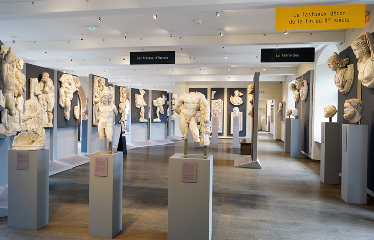 Interior do Museu Saint Raymond.jpg