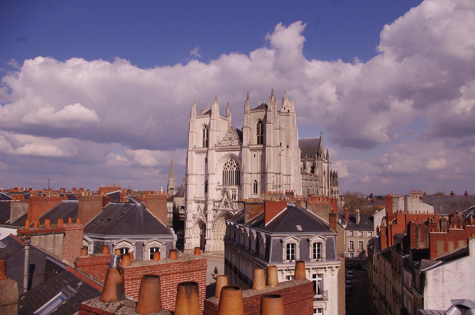 Vista aérea da Catedral de Nantes