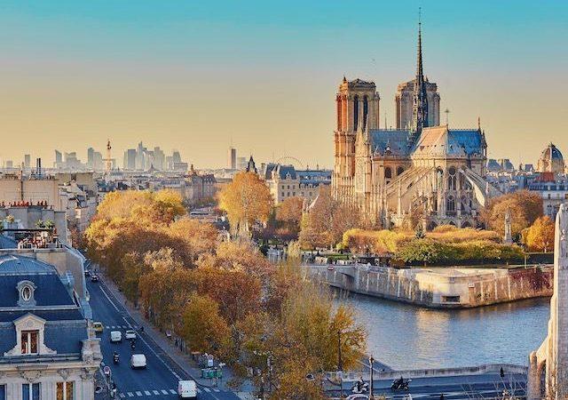 Vista da Catedral de Notre Dame em Paris